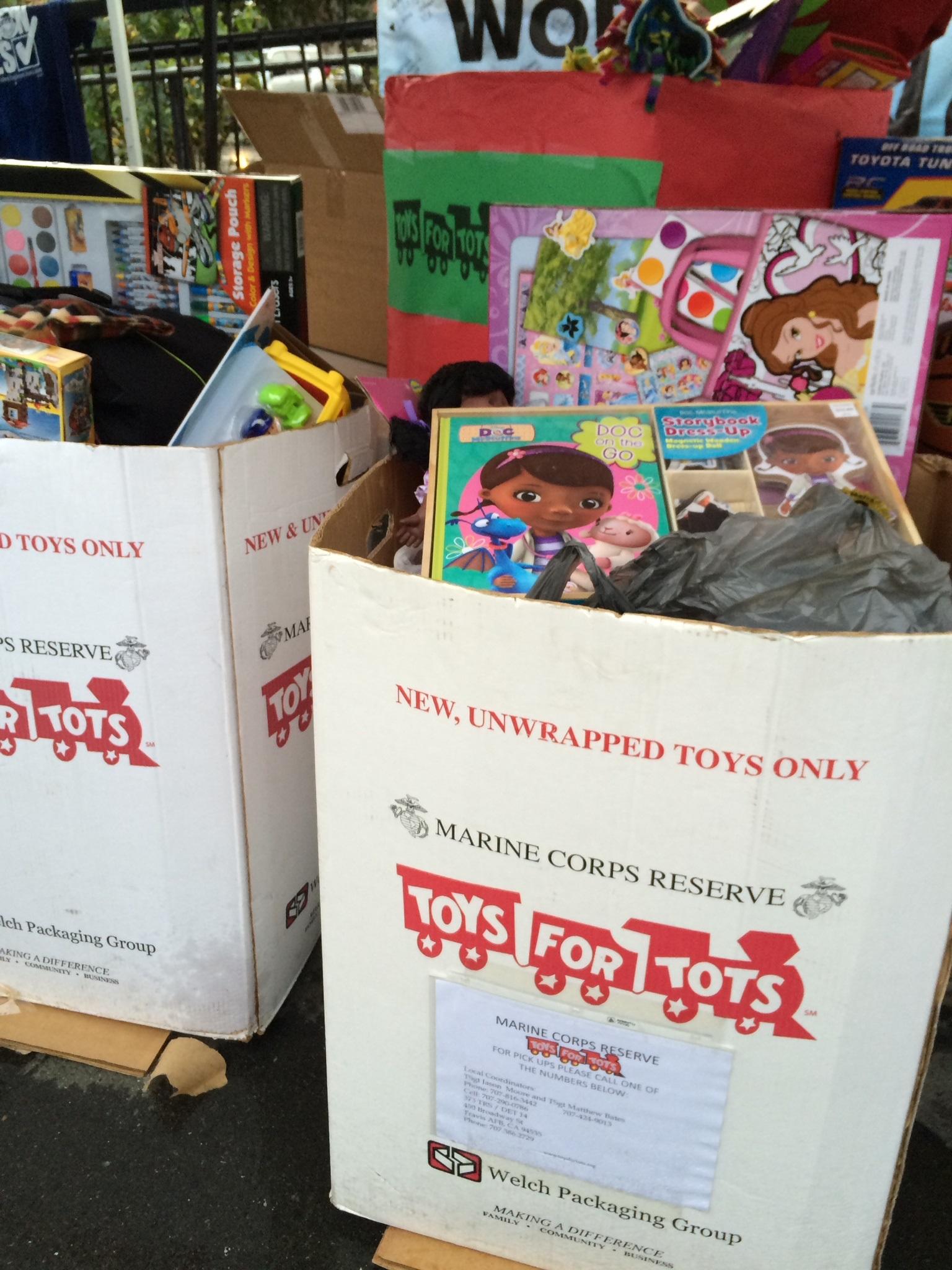 Solidarity.Box.Toys